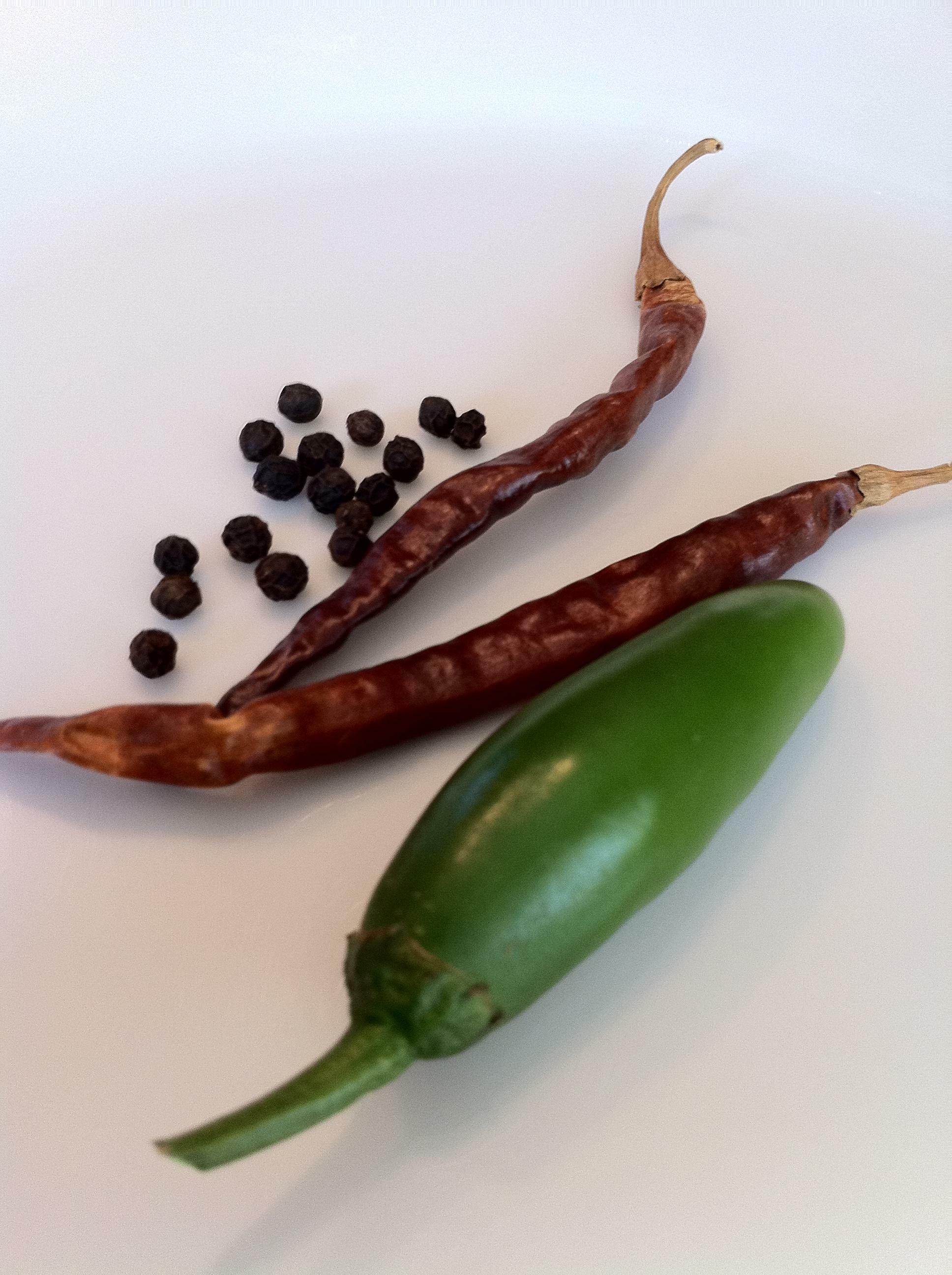 Black Pepper, Chile De Arbol, Chile Serrano